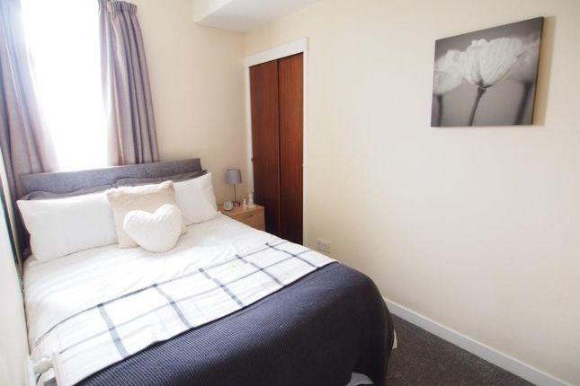 Bedroom 2 of Wallfield Crescent, Top Left AB25