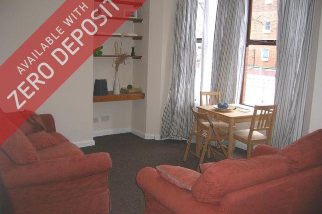 Flat to rent in Victoria Terrace, Hathersage Road, Victoria Park