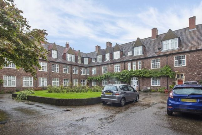 Thumbnail Flat for sale in Clewer Court, Newport