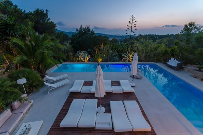 Thumbnail Villa for sale in Benimussa, Spain