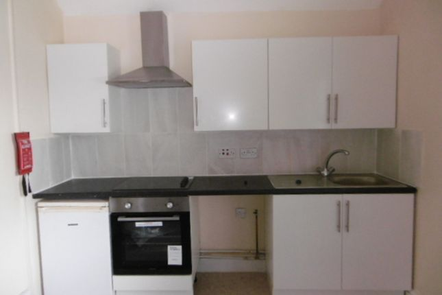 Thumbnail Flat to rent in Flat 6, Bath St (Top Floor Back), Rhyl