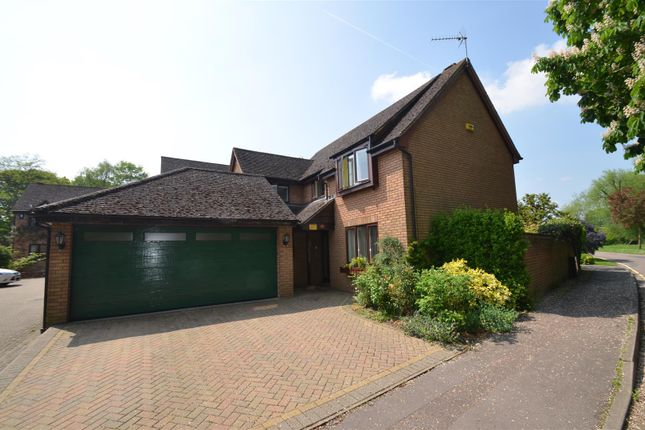 Thumbnail Detached house for sale in Hunt Close, Bicester
