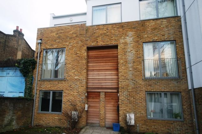 Thumbnail Maisonette to rent in Benhill Road, London