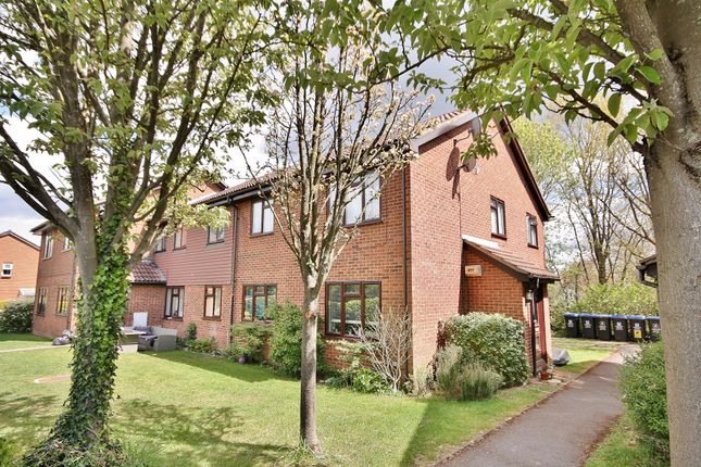 Thumbnail Maisonette to rent in Wych Hill Park, Woking