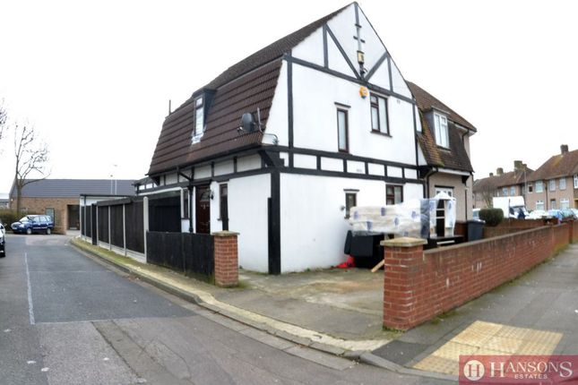 3 bed terraced house to rent in Butler Road, Dagenham