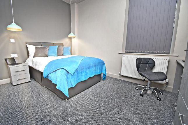Room to rent in Coal Clough Lane, Burnley BB11
