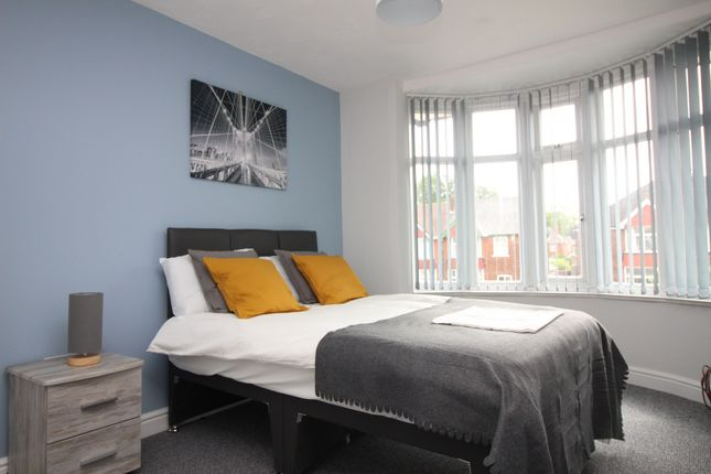 Thumbnail Shared accommodation to rent in Cliff Gardens, Scunthorpe