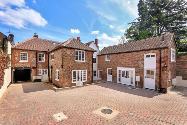 Thumbnail Barn conversion for sale in High Street, Kings Langley