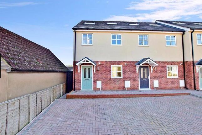 Thumbnail Terraced house to rent in Bradley Road, Upper Halling, Rochester