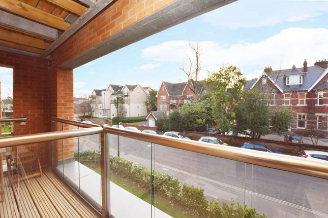 Thumbnail Flat for sale in Moore Close, Southampton