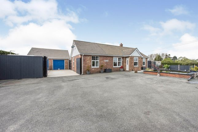 4 bed detached bungalow for sale in Ipswich Road, Long Stratton, Norwich NR15