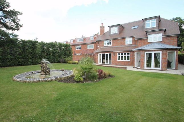 Thumbnail Detached house to rent in The Drive, Ickenham, Uxbridge