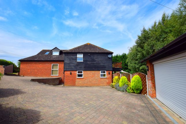 Thumbnail Detached house for sale in Epping Road, Nazeing