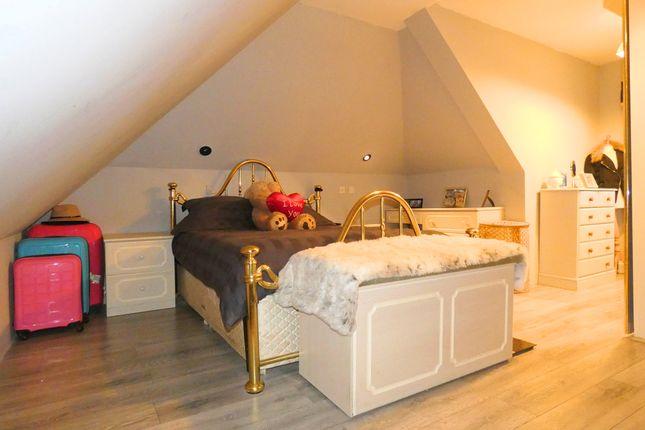 Master Bedroom 1 of Ryhope Road, London N11