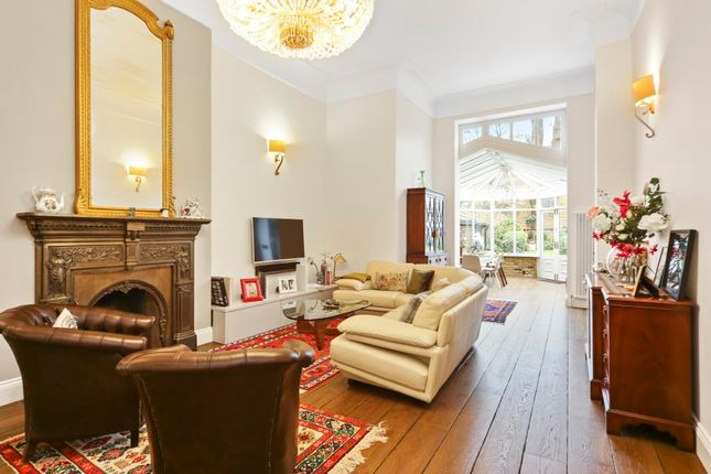 Thumbnail Flat to rent in Greencroft Gardens, London