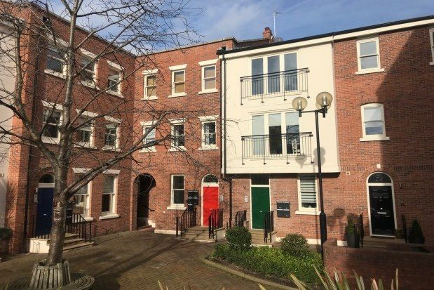 2 bed flat to rent in Lower Bridge Street, Chester CH1