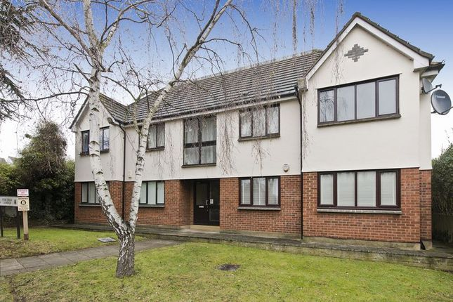 Thumbnail Flat for sale in Barrowell Green, Winchmore Hill