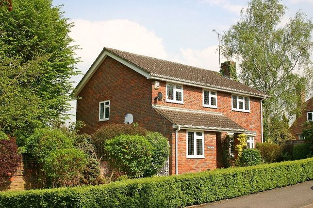 Thumbnail Detached house to rent in Ashlea Road, Chalfont St. Peter, Gerrards Cross