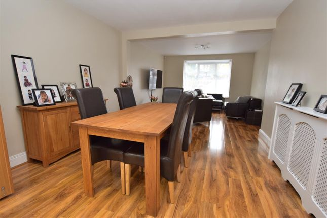 Spacious Open Plan Lounge/Dining Room