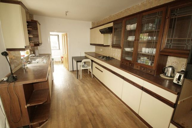 Thumbnail Terraced house to rent in Durrington Road, London
