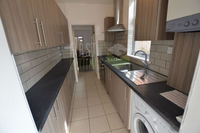 Kitchen of Bulwer Road, Leicester LE2