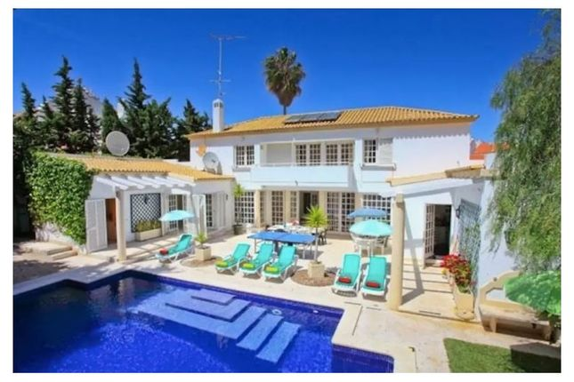 Thumbnail Detached house for sale in Albufeira E Olhos De Água, Albufeira E Olhos De Água, Albufeira