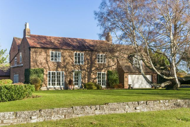 Thumbnail Detached house for sale in Station Road, Offenham, Evesham, Worcestershire