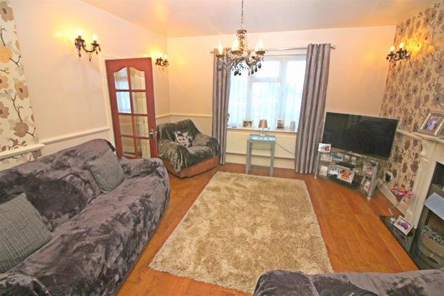 Thumbnail Property for sale in Croxford Gardens, London