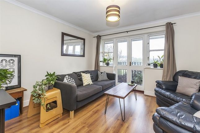 Thumbnail Flat to rent in Whiston Road, London