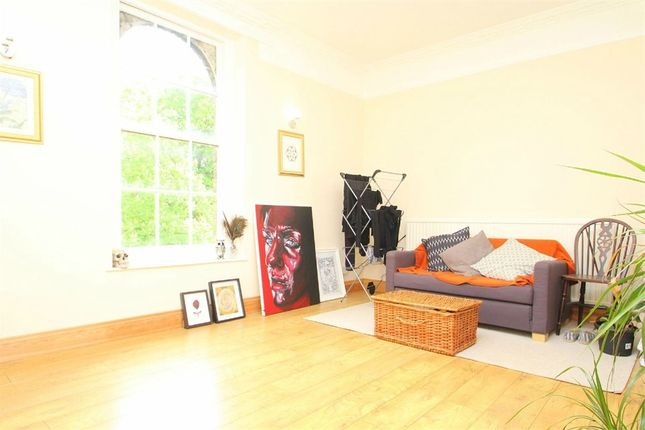 Thumbnail Flat to rent in Frays Cottage, Mill Road, West Drayton, Middlesex