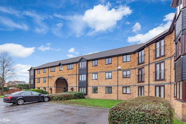 2 bed flat to rent in Heron Drive, Bicester OX26