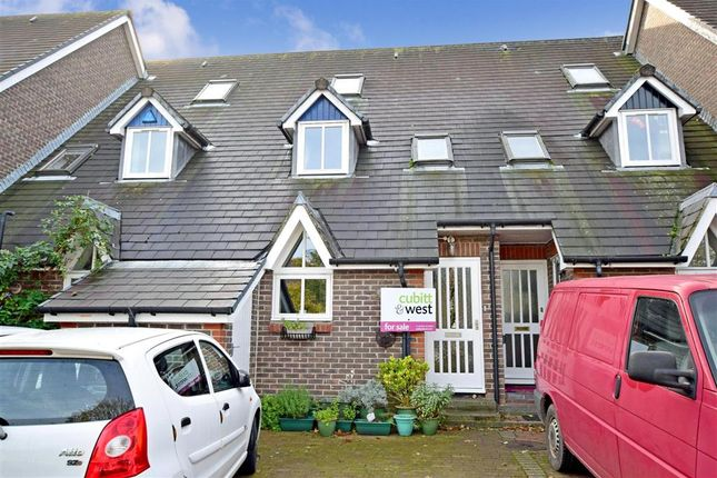 3 bed town house for sale in Harveys Way, Lewes, East Sussex