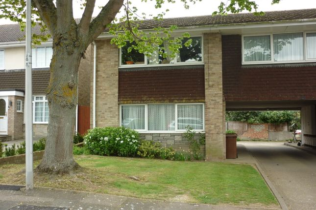 Thumbnail Flat to rent in Foulds Close, Wigmore, Gillingham