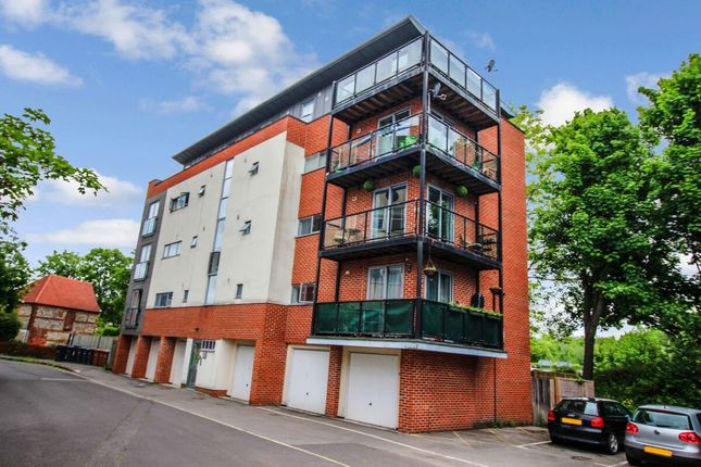 Room to rent in Suffolk Road, Andover SP10