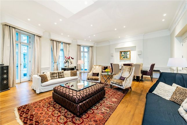 Thumbnail Maisonette for sale in Park Lane, Mayfair