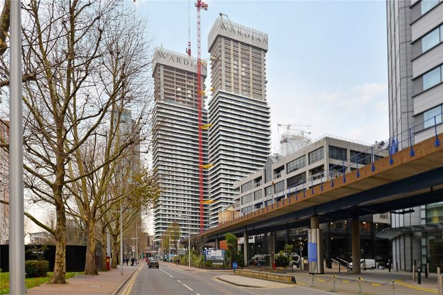 Thumbnail Property for sale in Marsh Wall, London