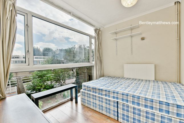 Thumbnail Flat to rent in Whitebeam Close, Clapham Road, Oval / Stockwell