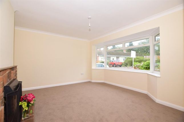 2 bedroom house in maidstone kent. 2 bed bungalow for sale in harbourland close, maidstone, kent bedroom house maidstone