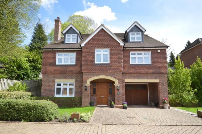 Thumbnail Detached house for sale in Middlefield Close, Chipstead, Coulsdon