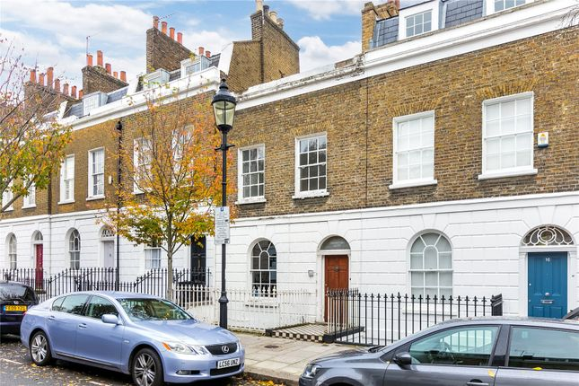 Thumbnail Terraced house for sale in College Cross, London
