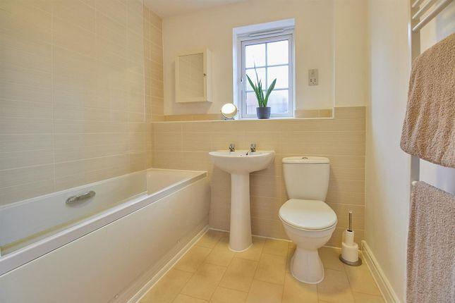 Bathroom of Overlord Drive, Hinckley LE10