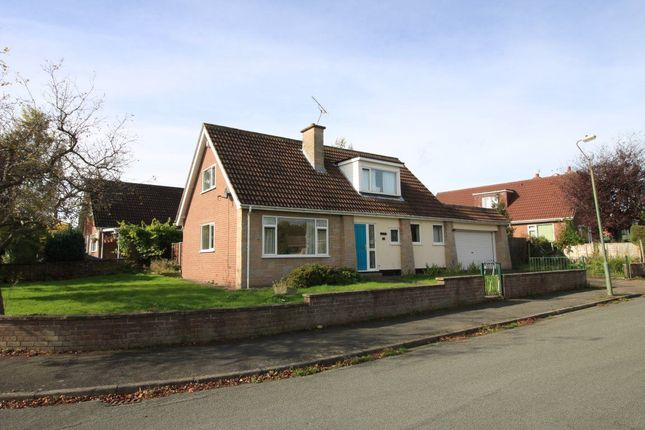 Thumbnail Bungalow to rent in Larkhill Road, Shrewsbury, Shropshire
