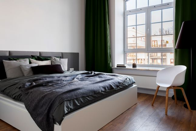 Thumbnail Flat for sale in Apartments, Petersfield Avenue, Slough