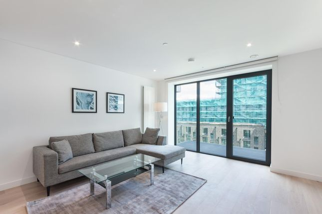 Thumbnail Flat to rent in Pendant Court, Royal Wharf, London