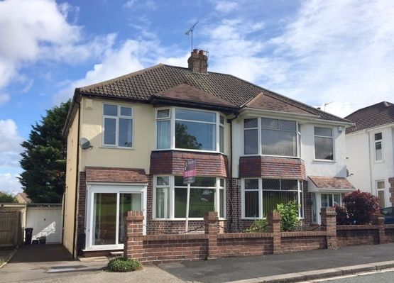 3 bed semi-detached house to rent in Abbots Way, Bristol