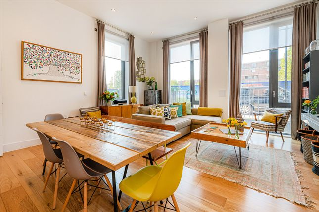 Thumbnail Maisonette for sale in Athlone Place, London
