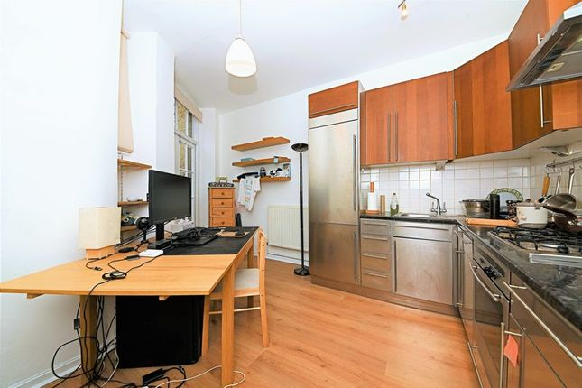 Kitchen 2 of Cavendish Mansions, Clerkenwell Road, London EC1R