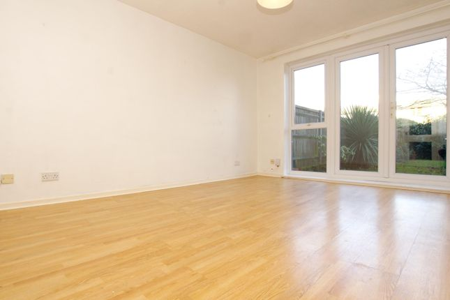 Thumbnail Flat to rent in Queens Road, Twickenham