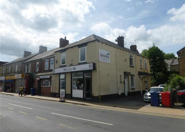 Thumbnail Flat to rent in Victoria Road, Wombwell, Barnsley