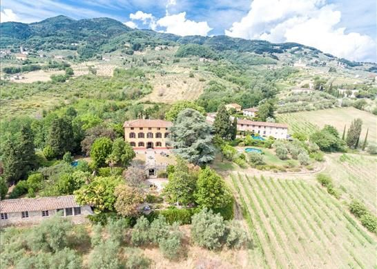 Detached house for sale in Lucca Lucca, Italy